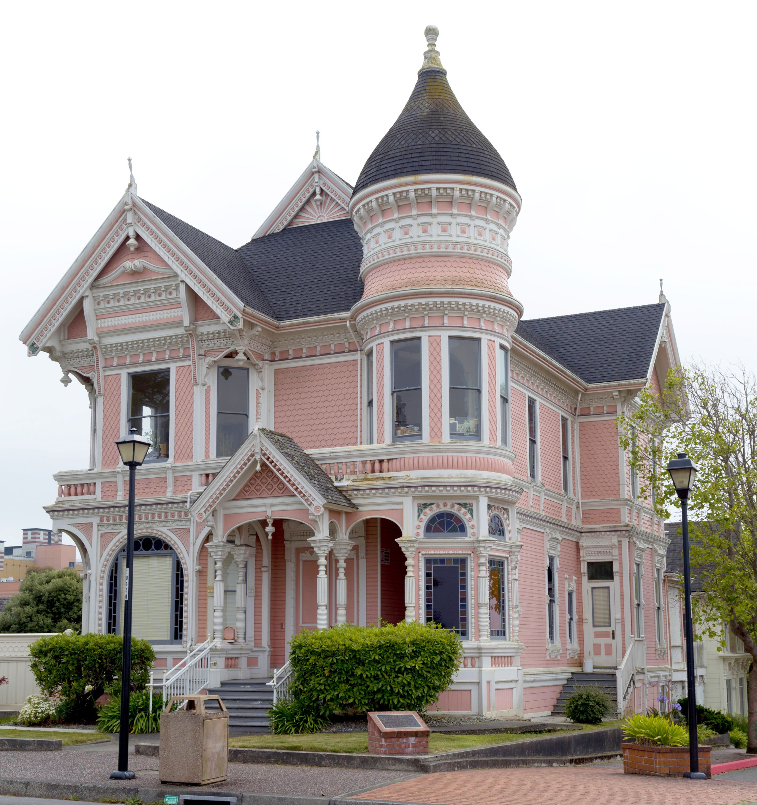 Queen Anne Revival 9